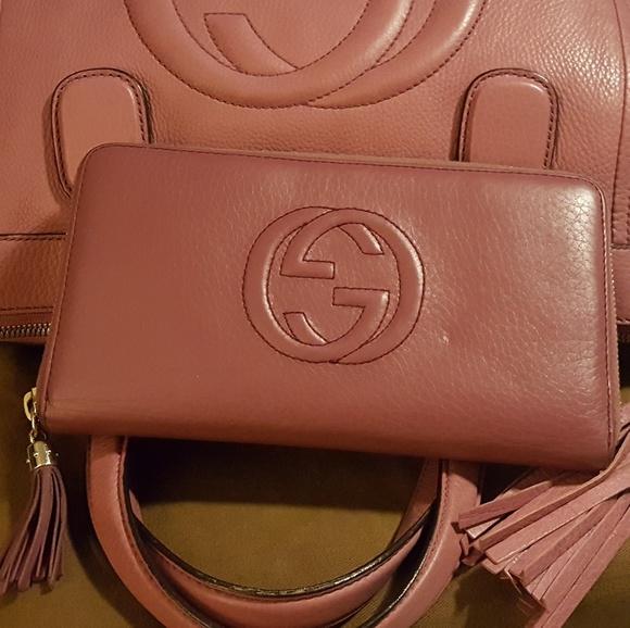 Gucci Handbags - 🍿 Gucci LG Soho tassel organizer wallet (only)